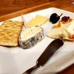 わいんびより - チーズ盛り合わせ