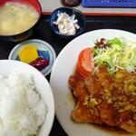 食堂 愛津屋 - 特大豚ステーキライス