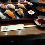 回転寿司 まる - 日替りランチ