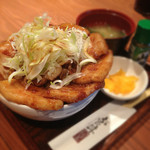 銀呈 - MIXの贅沢ぶた丼(並・M)900円