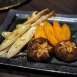 最高級A5神戸牛専門店 新宿 牛龍 - 野菜焼き