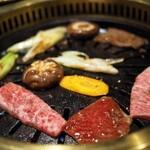 最高級A5神戸牛専門店 新宿 牛龍 -