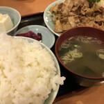 成久中国料理 - 焼肉ライス818円、ライス大盛プラス130円