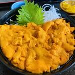 漁師の店 中村屋 - 赤ウニ丼 6,050円
