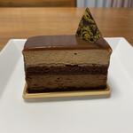133836293 - ドミニク。スウィートアンドミルクチョコレートのムース。