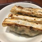 唐朝刀削麺 - 鉄鍋餃子