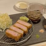 グローバルとんかつわたなべ - 本日は松阪豚のロース、トリュフ黄身付き