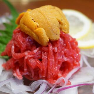 鮮度抜群☆絶品の生ユッケや肉寿司ございます!!