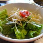 焼肉カルビ屋ワッショイ - サラダ