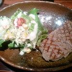 13387614 - 国産牛ステーキとサラダのアップ!