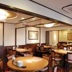 景珍楼 - 【2階店内】テーブル席
