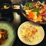 こめ蔵 - 海鮮丼(上)