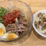 ザ・東京豚骨ラーメン屋 SAKU - 料理写真:冷やし中華とミニチャーシュー丼