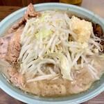 ラーメン二郎 - 料理写真:大ニンニクアブラ