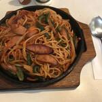 があべら - 料理写真:ナポリタン=730円 税込 写真が暗めなのには・・原因が!!