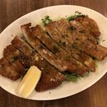 大阪エアポートワイナリー - パン粉カツレツ