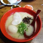 博多ラーメン 勝 - 料理写真:煮玉子ラーメン390円。