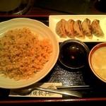 日本橋焼餃子 - チャーハンセットに焼き餃子5個です