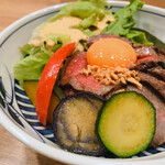 Wagyuukozarashinuchi - ローストビーフ丼 ¥1,000税込