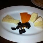 13391549 - チーズ盛り合わせ