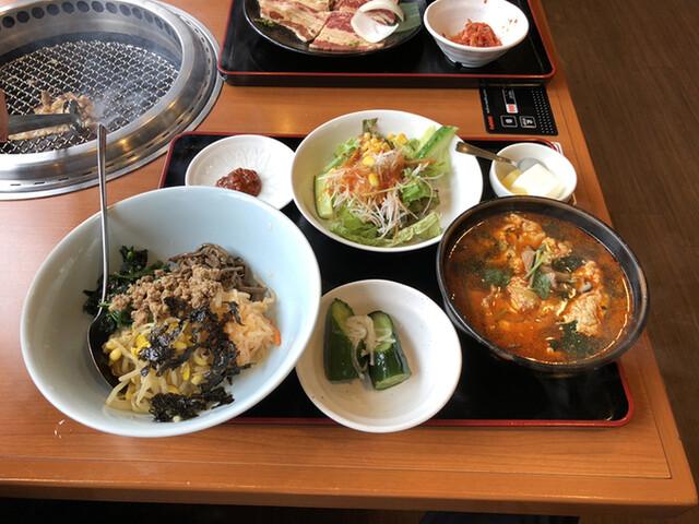 安楽亭 和泉多摩川店の料理の写真