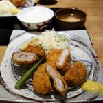 三匹の黒豚 - 仔豚ちゃん定食/銀しゃり・豚汁おかわり自由990円。