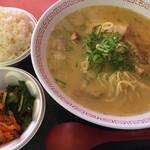金龍ラーメン - 金龍とんこつラーメン ( ´θ`) set