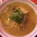 金龍ラーメン - 金龍とんこつラーメン ( ´θ`) 胡椒入れ
