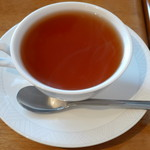 konditorei ホルガー - 紅茶(ケーキセットとしてオーダー、単品だと\300、2012年6月)