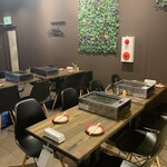 大阪焼肉HANABI - 内観写真:入り口付近です