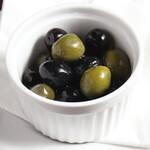 イタリア産 オリーブの盛り合わせ