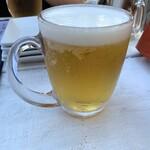肉と鎌倉野菜の大衆イタリアン 北千住Beach  - アサヒ生ビール中ジョッキ