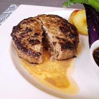 肉汁あふれる近江牛合挽きハンバーグ