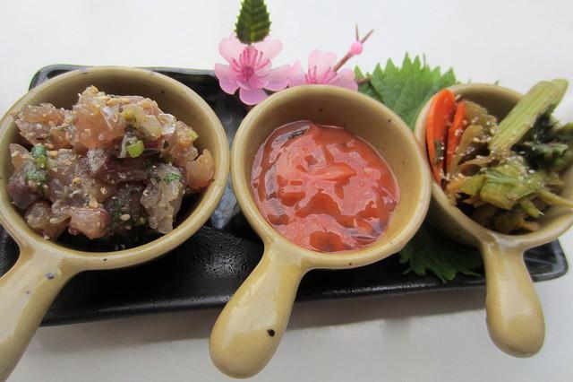ほっこりダイニング田なか - 珍味¥600(酒盗・イカの塩辛・野菜の浅漬け)