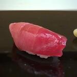 鮨 そえ島 - 料理写真:インド鮪(105kg)・・いい脂を感じ美味。