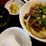 新長亭 - 和牛スタミナ丼