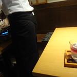 東京水刺齋 - 両隣は、サムジョプサル♪スタッフが焼いてます♪