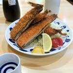 """宝山 いわし料理 大松 - ソースと一緒に届いた""""いわしフライ¥680"""""""