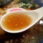 熟成醤油らーめん ヤマト醤店 - 生姜と醤油のバランスの良いスープ!