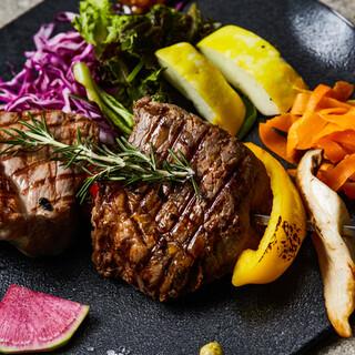ガッツリ食べられるメインの肉料理!自慢の野菜料理!