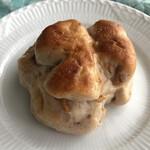 プクプク - くるみパン