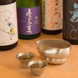 旨い鮨には、旨い酒を。選りすぐりの銘酒をご用意しております