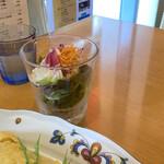 ochanomizuogawaken - サラダも付いてくる