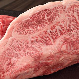 プロが厳しい目で吟味した肉を一番美味しい状態でご提供します。