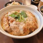 そば所 よし田  - カツ丼はとっても美味しいです!