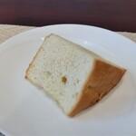 リストランテファンタジスタ - パンは、フォカッチャですかね。美味しいです。