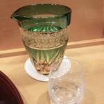味享 - たまらず日本酒にシフト。お約束の天領の純米酒です