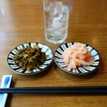 フィッシュ マーケット マルヒデ - 無料オプションサービスで、ご飯のおかわり無料・いか明太・辛子高菜・生卵があります。