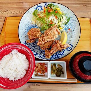 生餃子製造直売 ハチサンイチ - 料理写真:唐揚げ定食