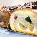 スリール - 料理写真:チョコロールとフルーツロール。 誕生日プレートを付けてもらいました♡